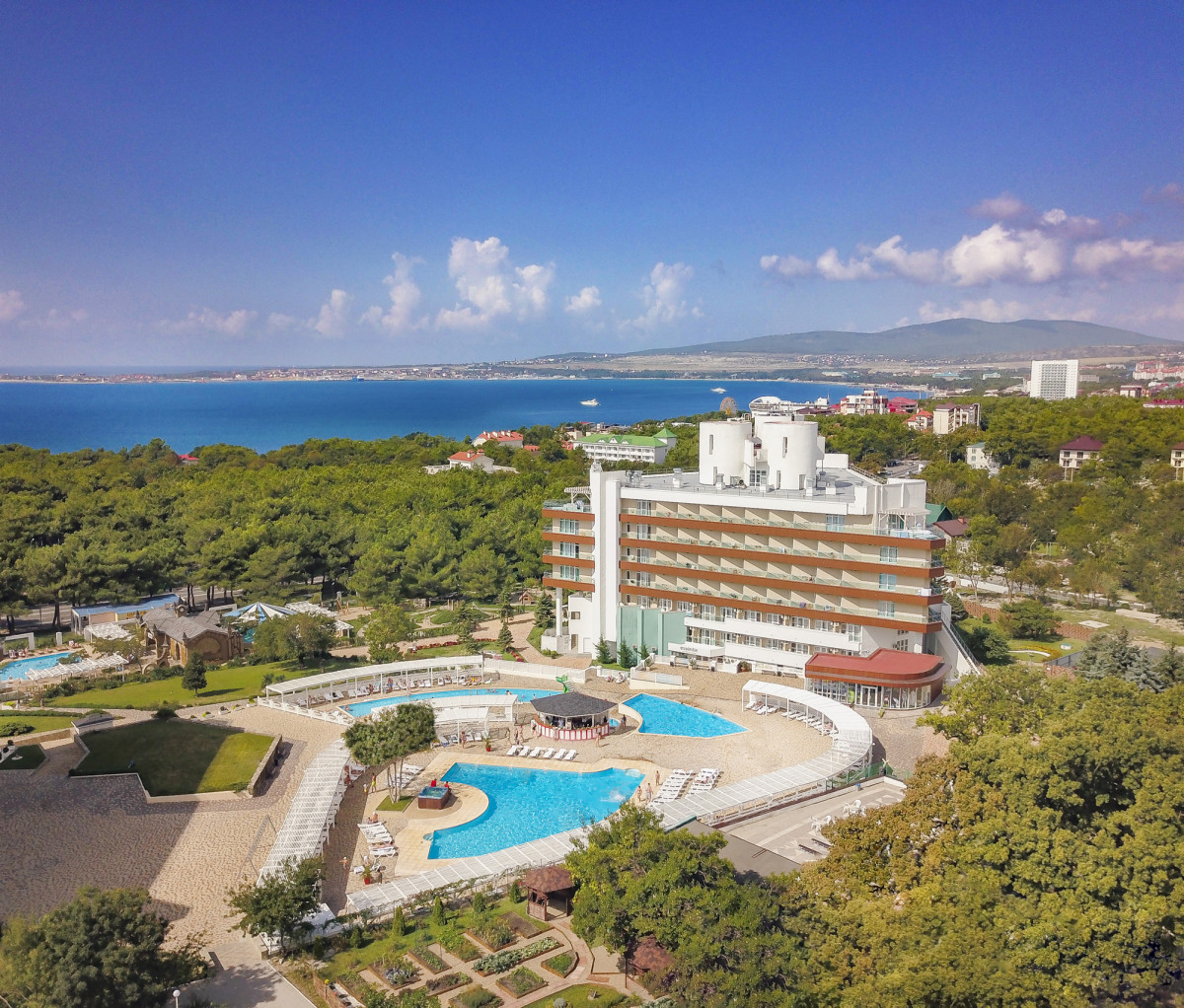 Alean Family Resort & Spa Biarritz 4* (Геленджик)